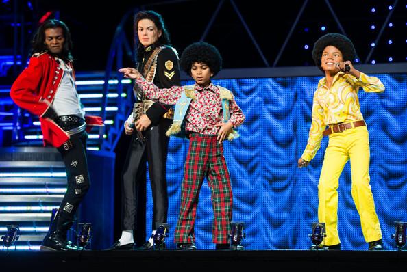 Madame+Tussauds+Unveil+3+Michael+Jackson+Waxworks+JVfqWxCamSPl