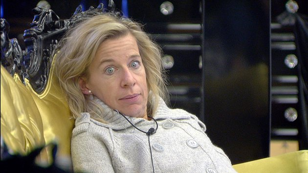 007d1610-a882-11e4-978d-45b047feb787_katie-hopkins-katie-price-shower